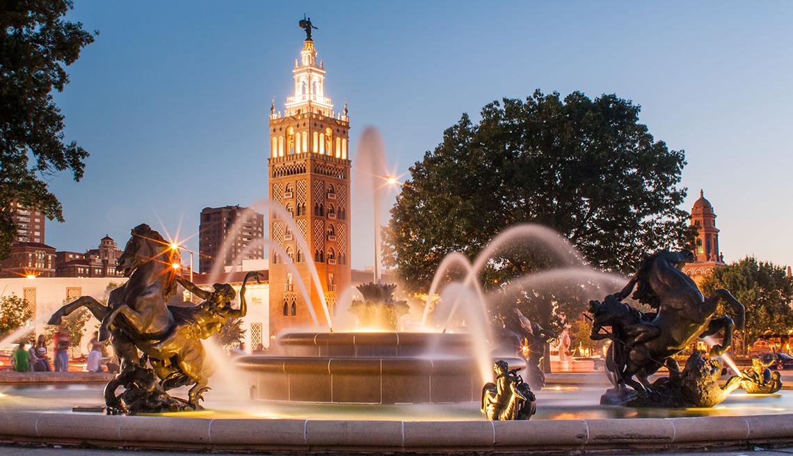 item 3 of Gallery image - Fountain Tower Twilight, Kansas City, Budget U.S. Trips