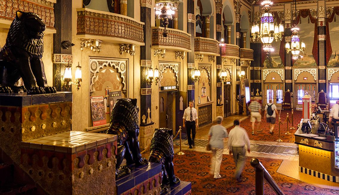 Oriental Theatre Lobby, Milwaukee, Heartland Getaways