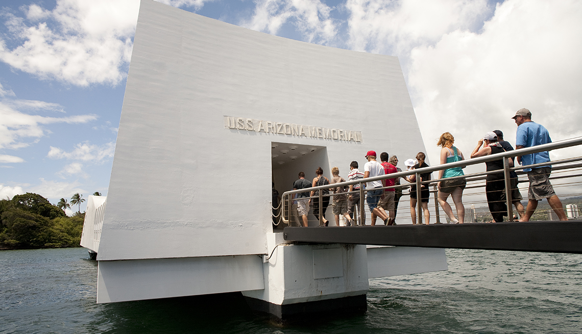 USS Arizona Memorial, Pearl Harbor, Oahu, Hawaii, Top U.S. Vacation Destinations