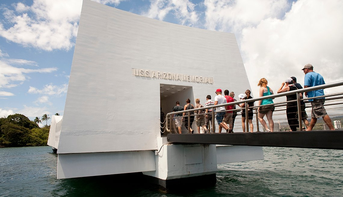 USS Arizona Memorial, Pearl Harbor, Oahu, Hawaii, Top U.S. Vacation Destinations