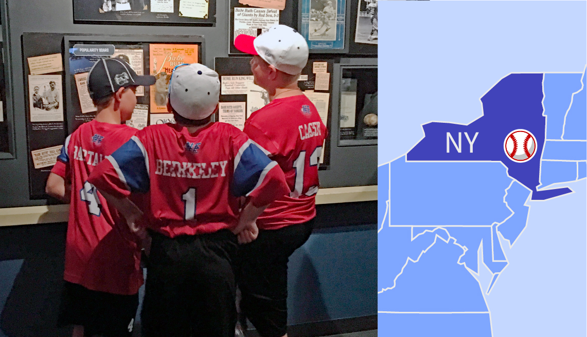 Niños en el salón de la fama del béisbol nacional de Nueva York