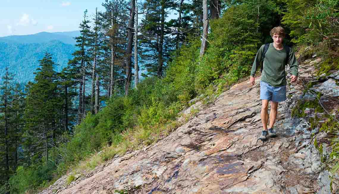 10 Best National Park Hikes - Hiking the Great Smoky Mountains National Park