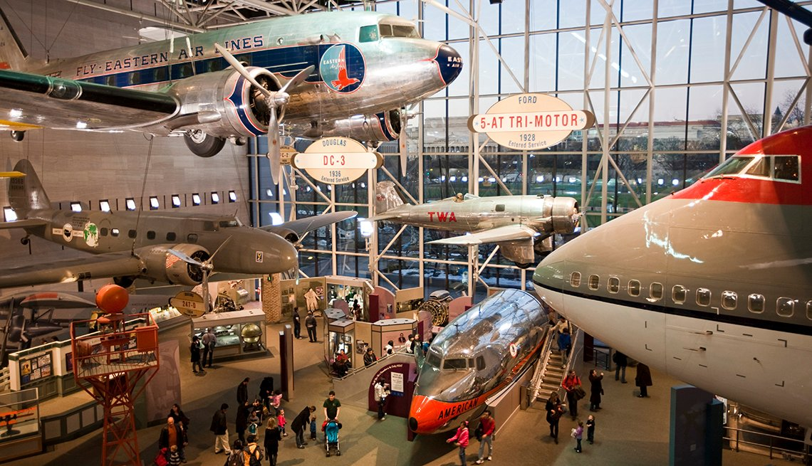 Historic Aircraft, National Air & Space Museum, Free and Inexpensive Attractions in America