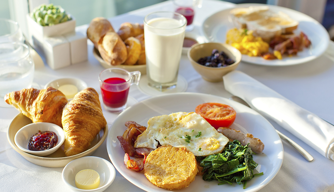 Full Breakfast on White Tablecloth, 10 Tips for Stretching Your Hotel Dollars