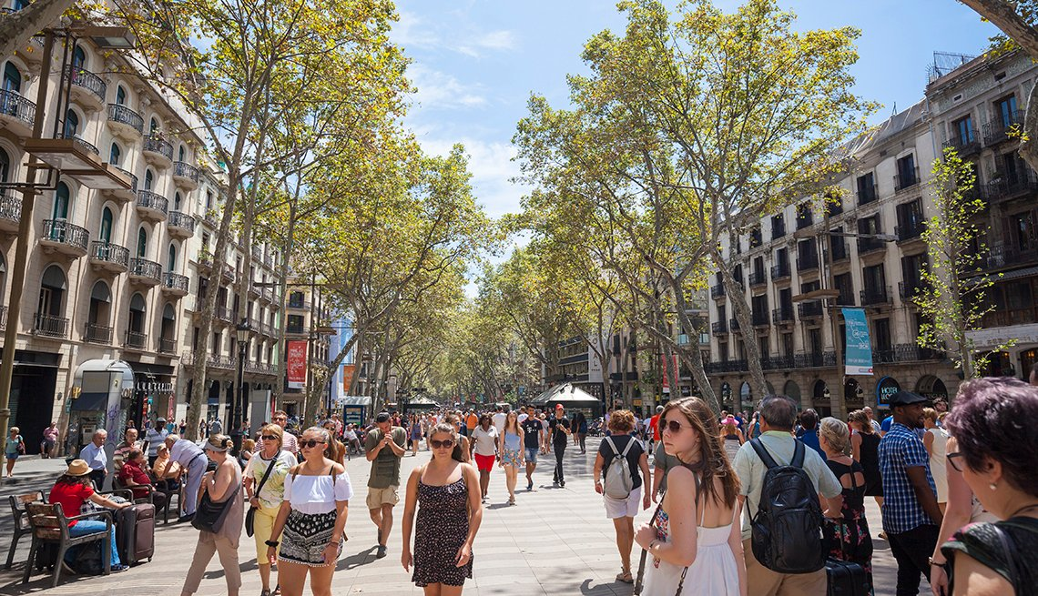 Pedestrians, Las Ramblas, Barcelona Tourism Down