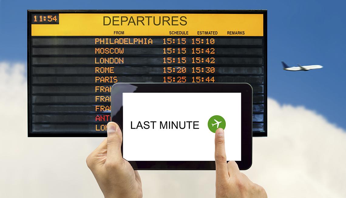 Tablet Departure Board, Airplane, Flight Status,  Airport Navigation Tips