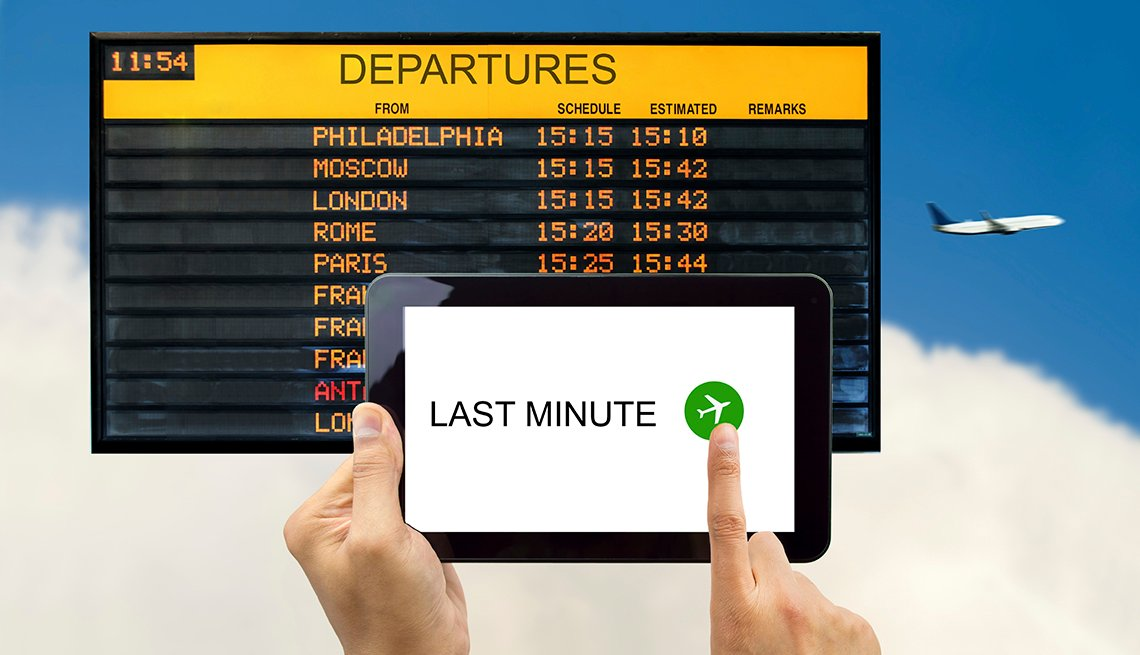 Tablet Departure Board, Airplane, Flight Status,  Airport Navigation Tips