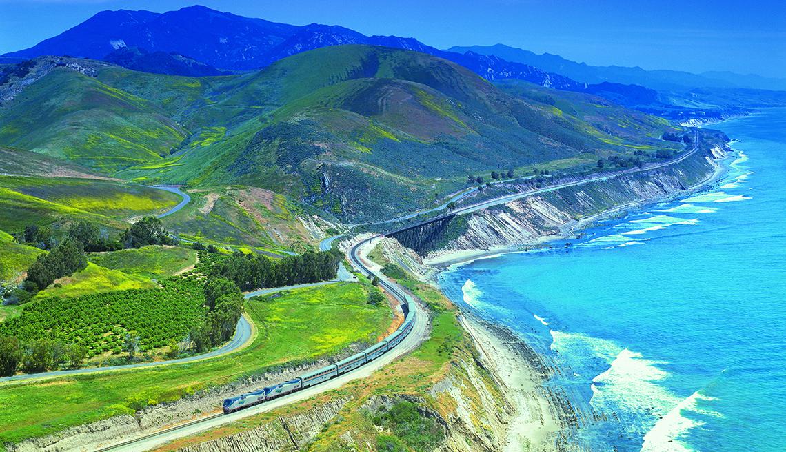 Train Along Mountainous Coast Amtrak Starlight Bargain West Ride