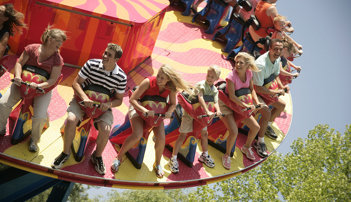 People On A Ride At Dollywood's Splash Country In Tennessee, Best Amusement Parks For The Family