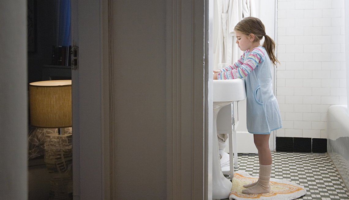 Little Girl At The Bathroom Sink, How To Be A Perfect Houseguest