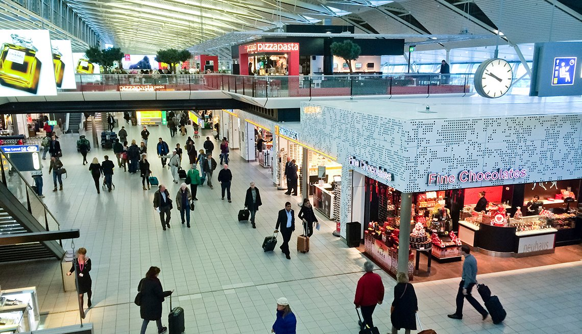 Passengers Shops, Amsterdam Airport Schiphol, Airport Navigation Tips