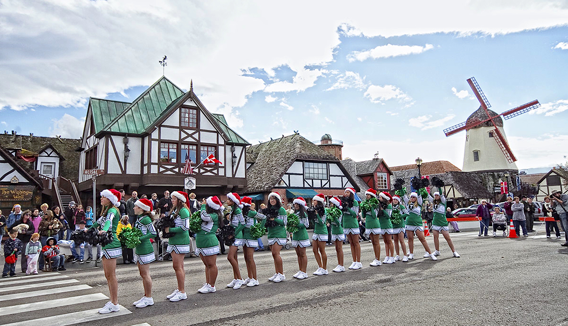 Parade, Julesfest, Danish Architecture, Solvang, California, Towns That Celebrate Christmas Year