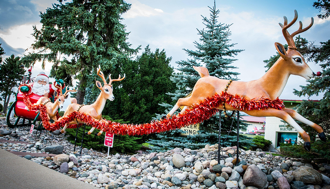 6 Towns That Celebrate Christmas Year-Round