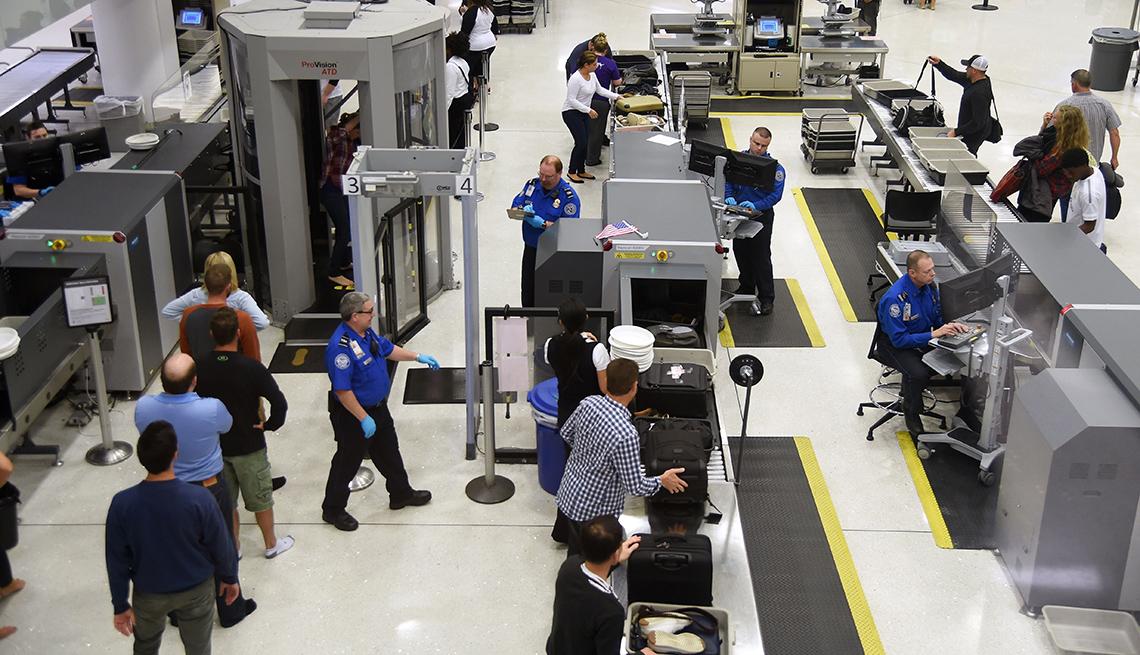 Passengers TSA Prefllight Security, St. Louis International Airport, Passenger Alert: New TSA Security Screenings