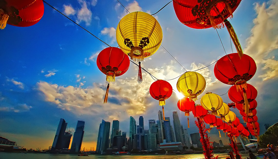 Asian Lanterns By Marina Bay In Singapore, Travel Picks For 2017
