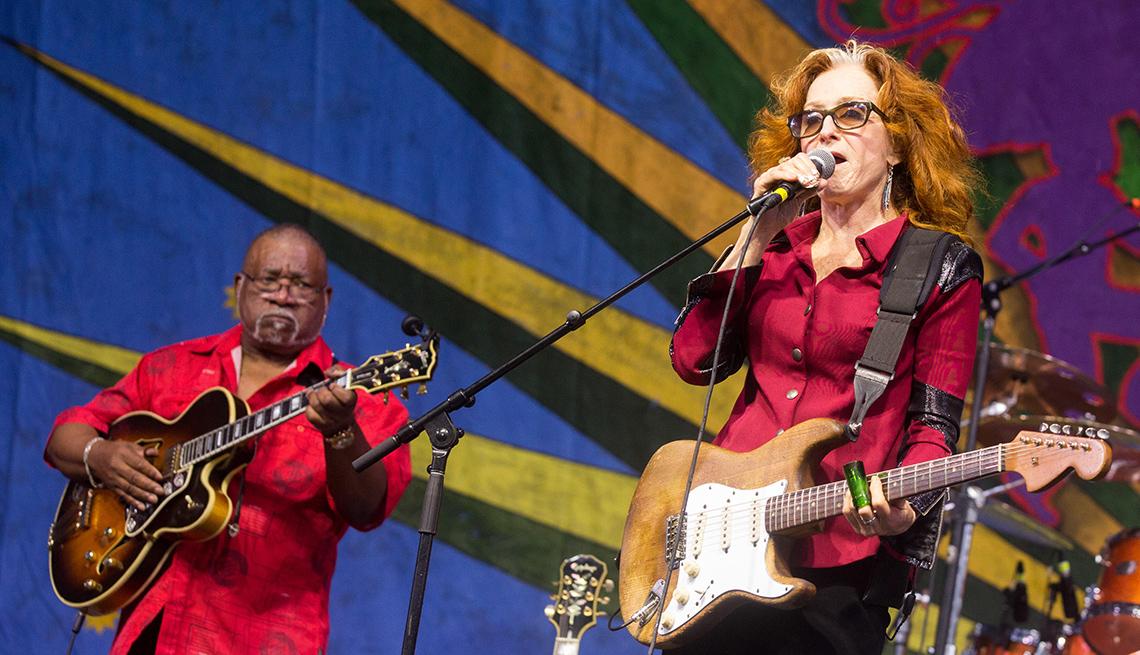 Bonnie Raitt at New Orleans JazzFest