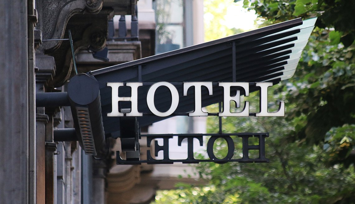 Barcelona hotel sign