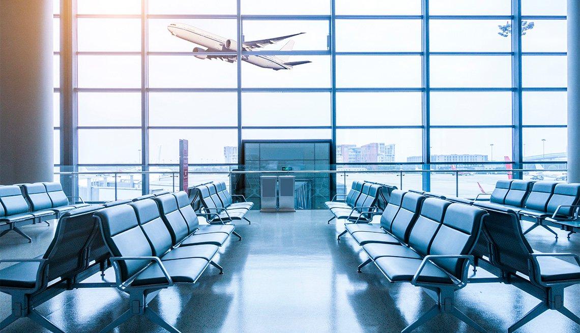 Terminal de aeropuerto vacía