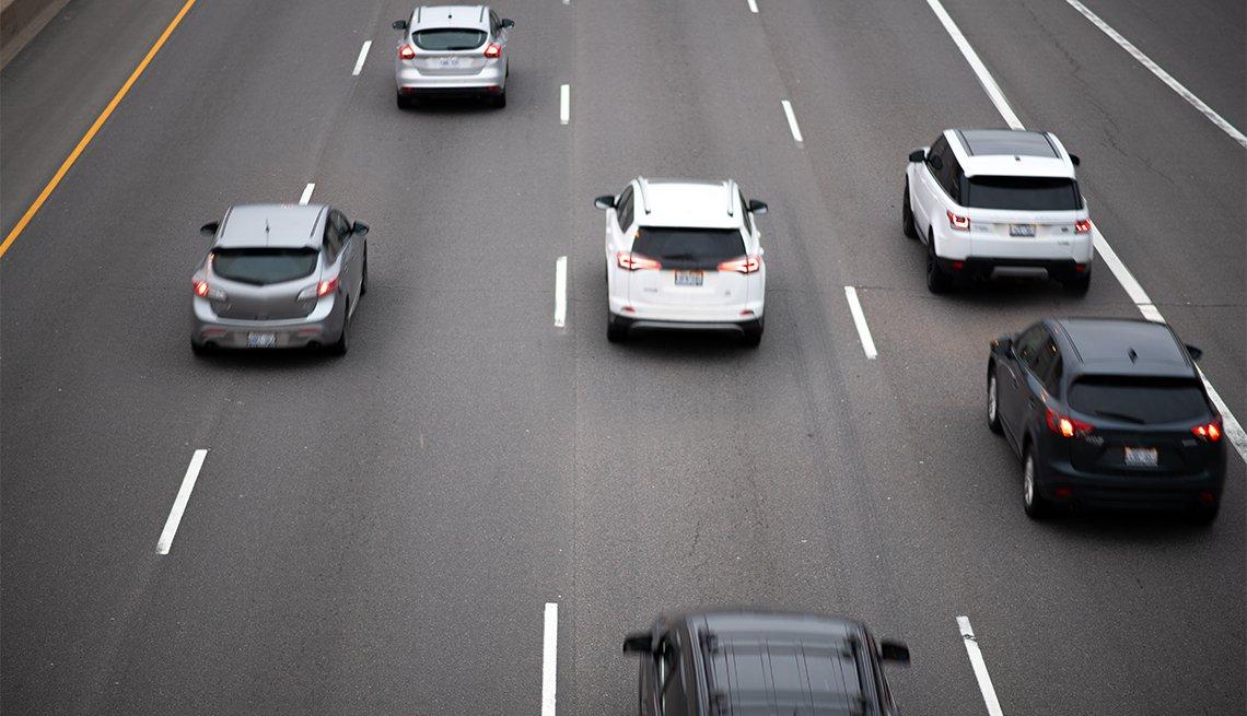 Autos en una autopista