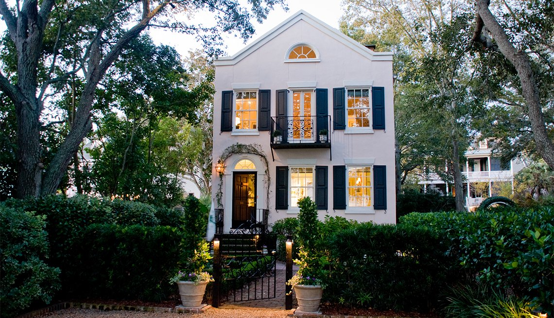 item 3 of Gallery image - Charleston Glorious Garden Tours, Charleston, SC