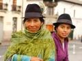 Fotógrafo Jason Varney retrata a 2 mujeres en Quito, Ecuador.