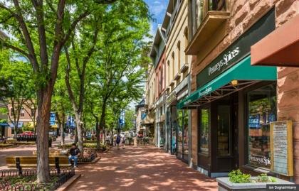 Pearl Street Mall, Boulder, Colorado -  Los centros comerciales donde se puede hacer algo más que comprar.
