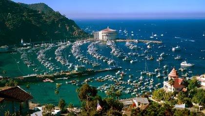 El puerto de Avalon en la isla de Catalina, California, 5 lugares para celebrar el Día de la Madre