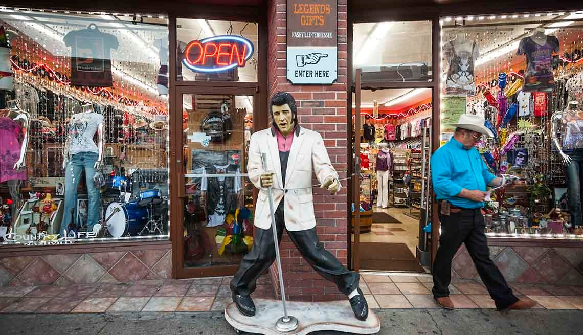 Elvis Presley Statue In Nashville