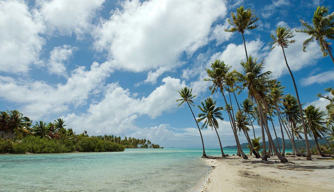 Playa Motu Mahana, islas de la Sociedad en la Polinesia Francesa
