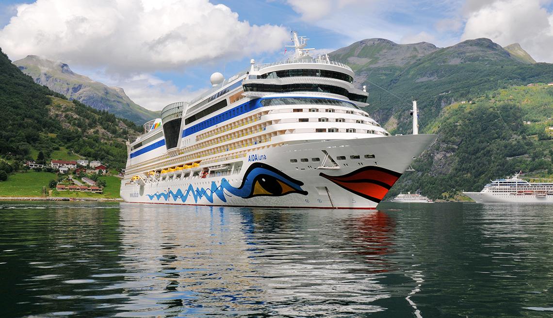¿A dónde puedo viajar por barco y cuándo debo ir?