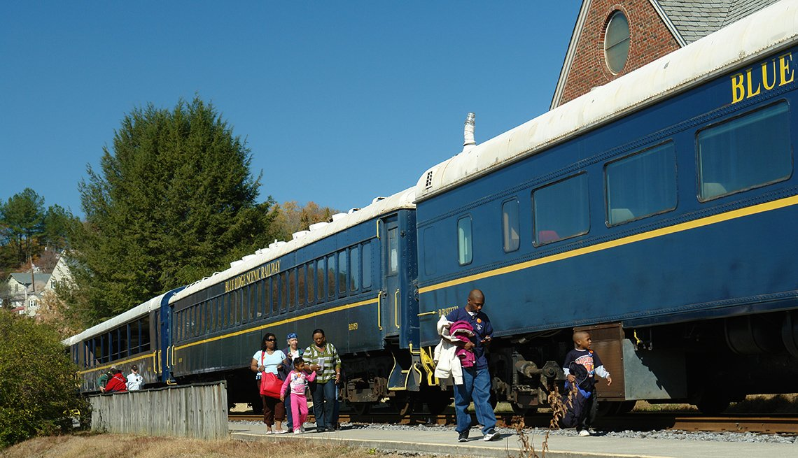 Train Sits At Station On The Blue Ridge Rail In Georgia, Fall Foliage Trains