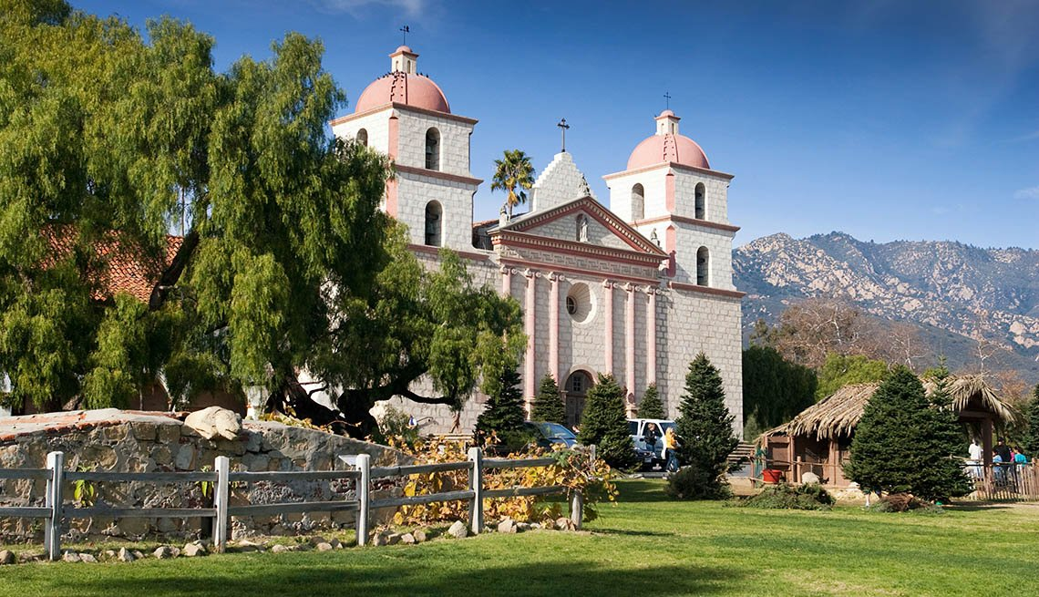 The Santa Barbara Mission Building, Unique Vacation Ideas