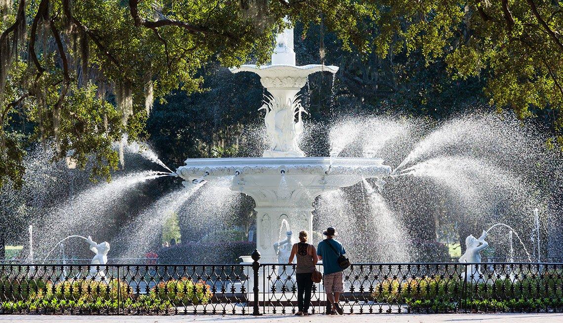 Fountain in Forsyth Park Savannah, Georgia, Long Weekend Getaway, Travel