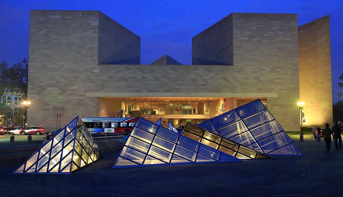 East Building of the National Gallery of Art in Washington, D.C., Long Weekend Getaway, Travel