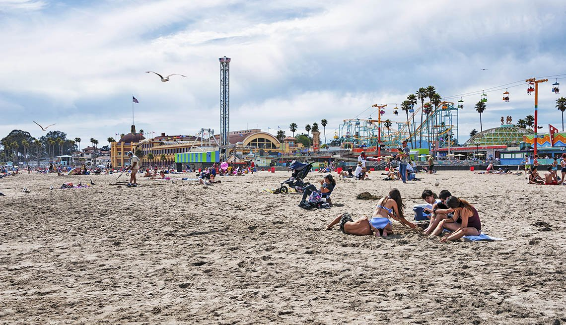 Beachgoers In Santa Cruz California, Best Beach Towns