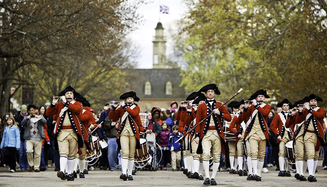 Parade Of Reenactors In Williamsburg Virginia, Thanksgiving Day Destinations