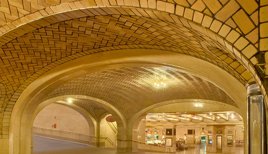 Tile Arches in Whispering Gallery in Grand Central Terminal, New York, Hidden Wonders at American Attractions