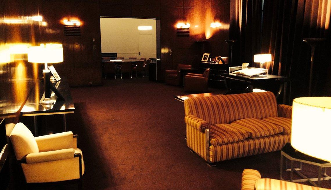 Radio City Music Hall Apartment, New York, Hidden Wonders at American Attractions