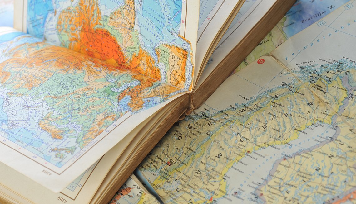 Maps And Atlas, Gifts For Travelers