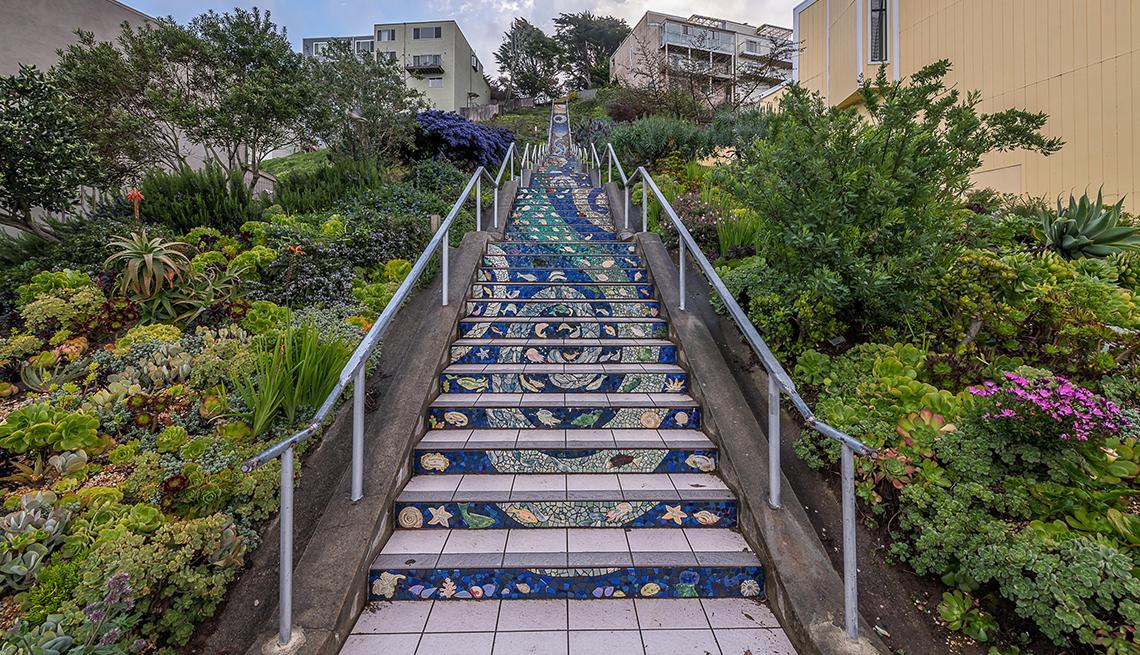 Las escaleras de mosaico en San Francisco (The Mosaic Stairs).