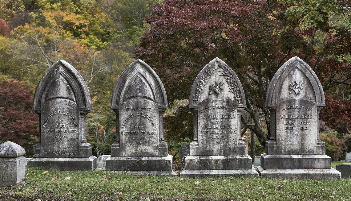 Tombstones at Sleepy Hollow Cemetery