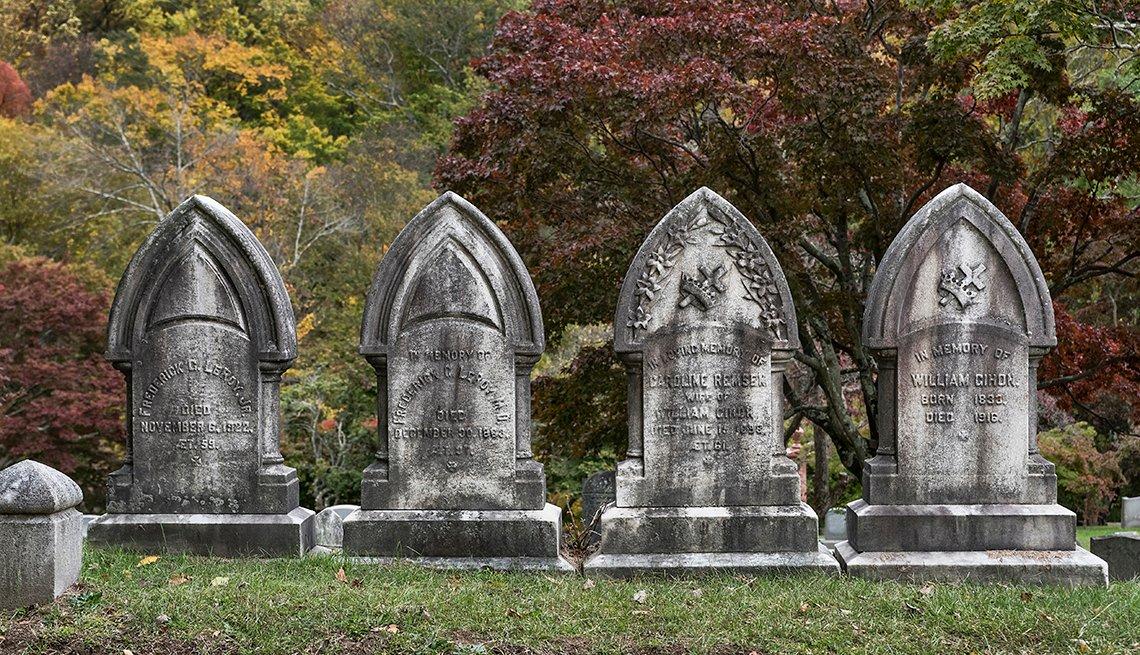 Tombstones at Sleepy Hollow Cemetery