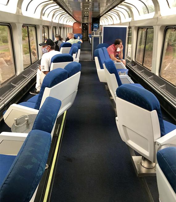 Vagón de observación en un tren Amtrak