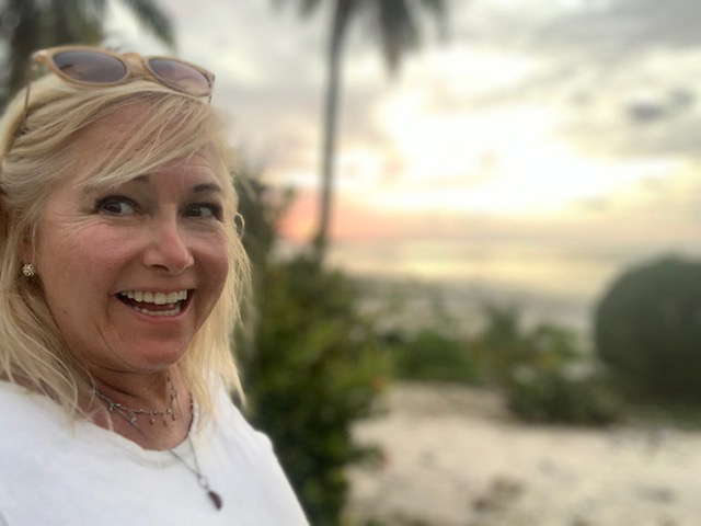 Barbara Barrielle at The Cook Islands