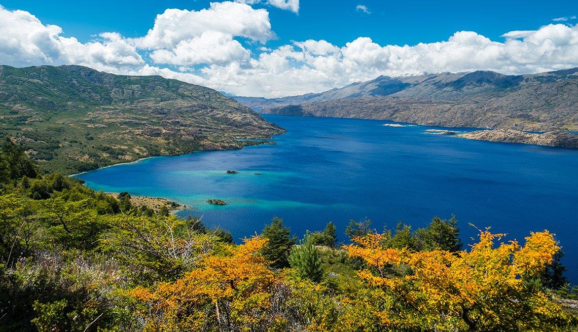 item 1 of Gallery image - Lago de Cochrane en Patagonia, Chile.