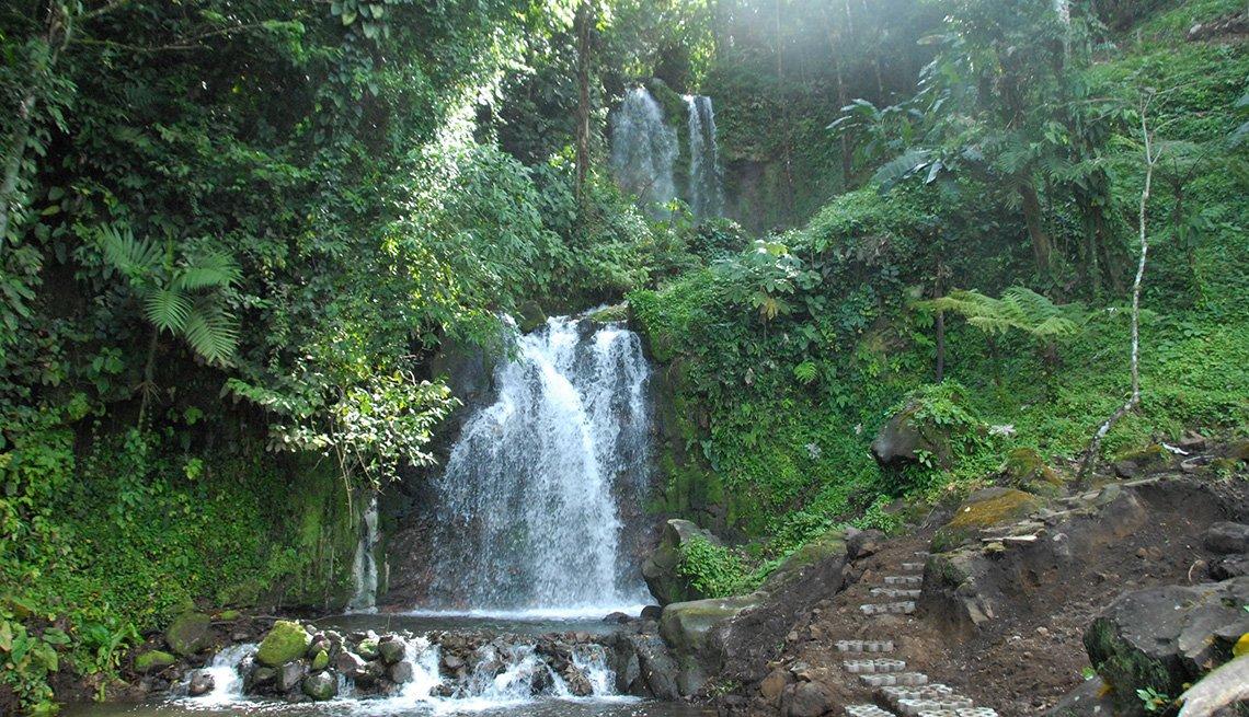 Cascadas de agua en Costa Rica