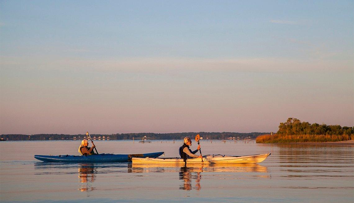 kayakers on the Northern Neck on Rappahannock River