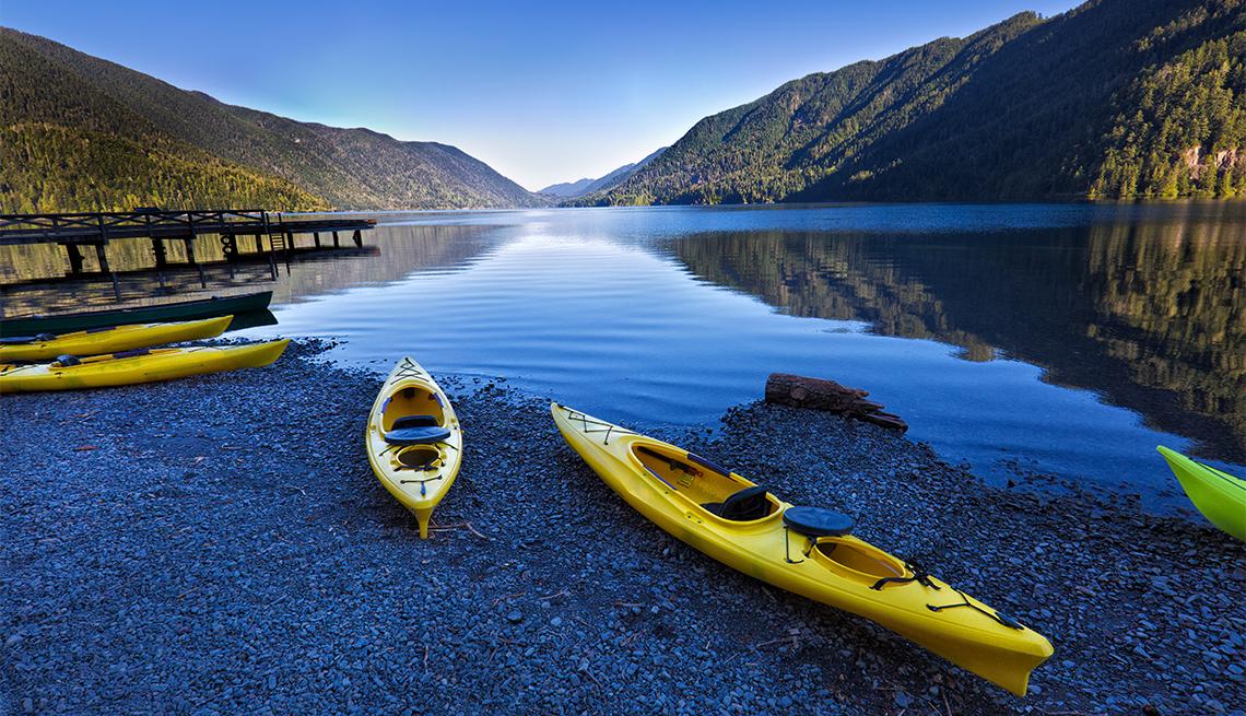 kayaks at Lake Crescent