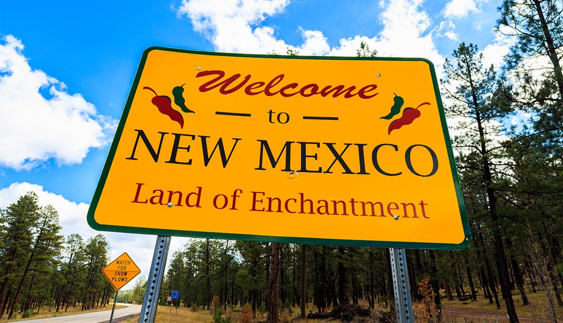 Welcome to New Mexico sign along the roadside
