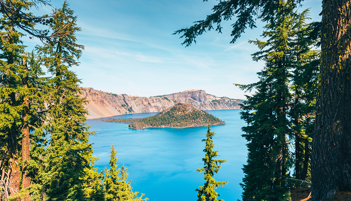 See through to Crater Lake and Wizard Island in Crater Lake National Park